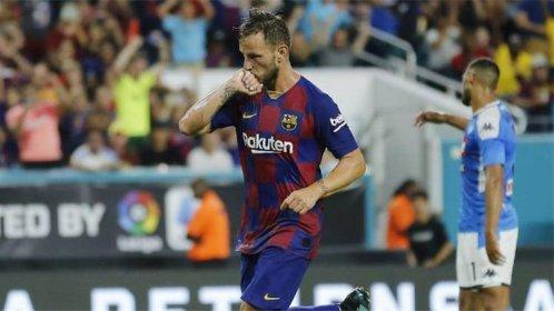 ايفان راكيتيش افضل لاعب في مباراة برشلونة ونابولي