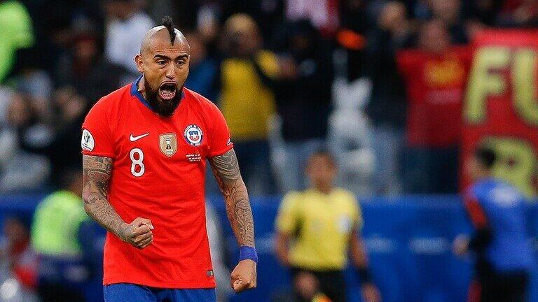 تضامن نجوم المنتخب التشيلي مع الشعب