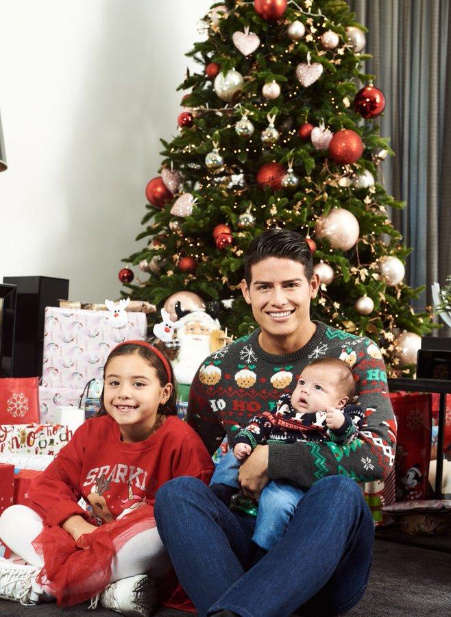 بالصور لاعبي ريال مدريد يحتفلون بأعياد الميلاد راس السنة 2020 - الكريسمس خاميس رودريغيز