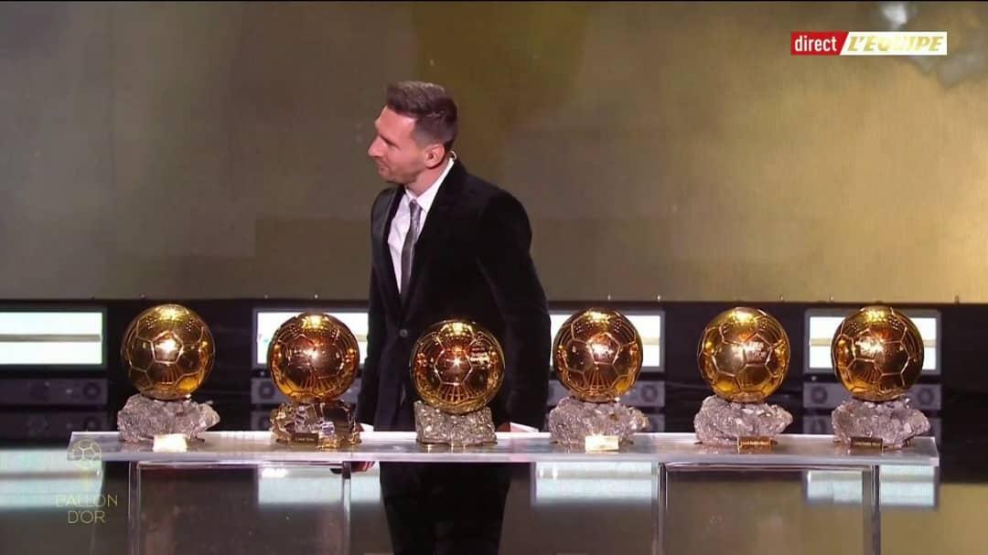 ميسي افضل لاعب في العالم
