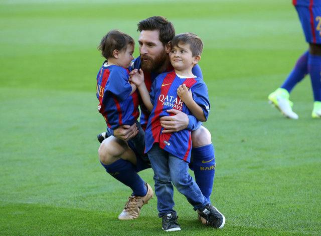 شاهد بالفيديو ابن ميسي يسجل هدفين مع ناشئي برشلونة ويقود فريقة إلى انتصار كبير