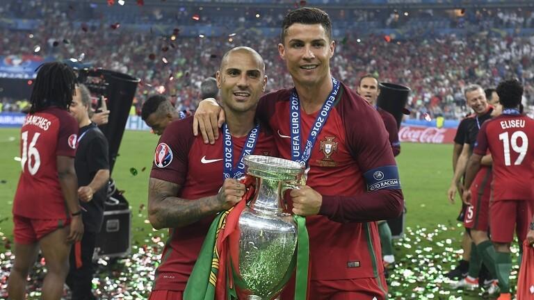 برشلونة رفض رونالدو وفضل التعاقد مع زميل له عام 2003