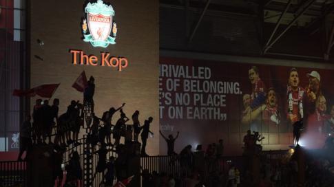 بعد 30 عاماً من الانتظار ليفربول يفوز بالدوري