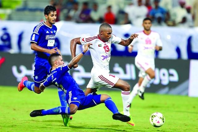 الشارقة ضد النصر مباراة خطف الصدارة في الدوري الاماراتي
