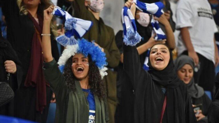 انطلاق دوري كرة القدم للنساء بالسعودية