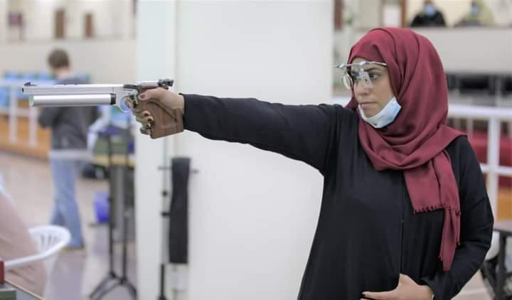 اللاعبة اليمنية ياسمين الريمي لاعبة الرماية في اولمبياد طوكيو
